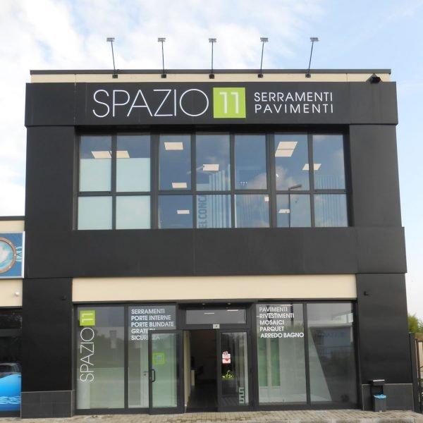 Spazio 11: Showroom Serramenti e Pavimenti Milano